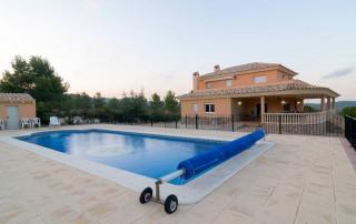 Vista del alojamiento desde la piscina